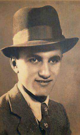 """סב המשפחה, עזרא לוי ז""""ל - ייסד את דפוס פאר פרינט ב - 1942"""
