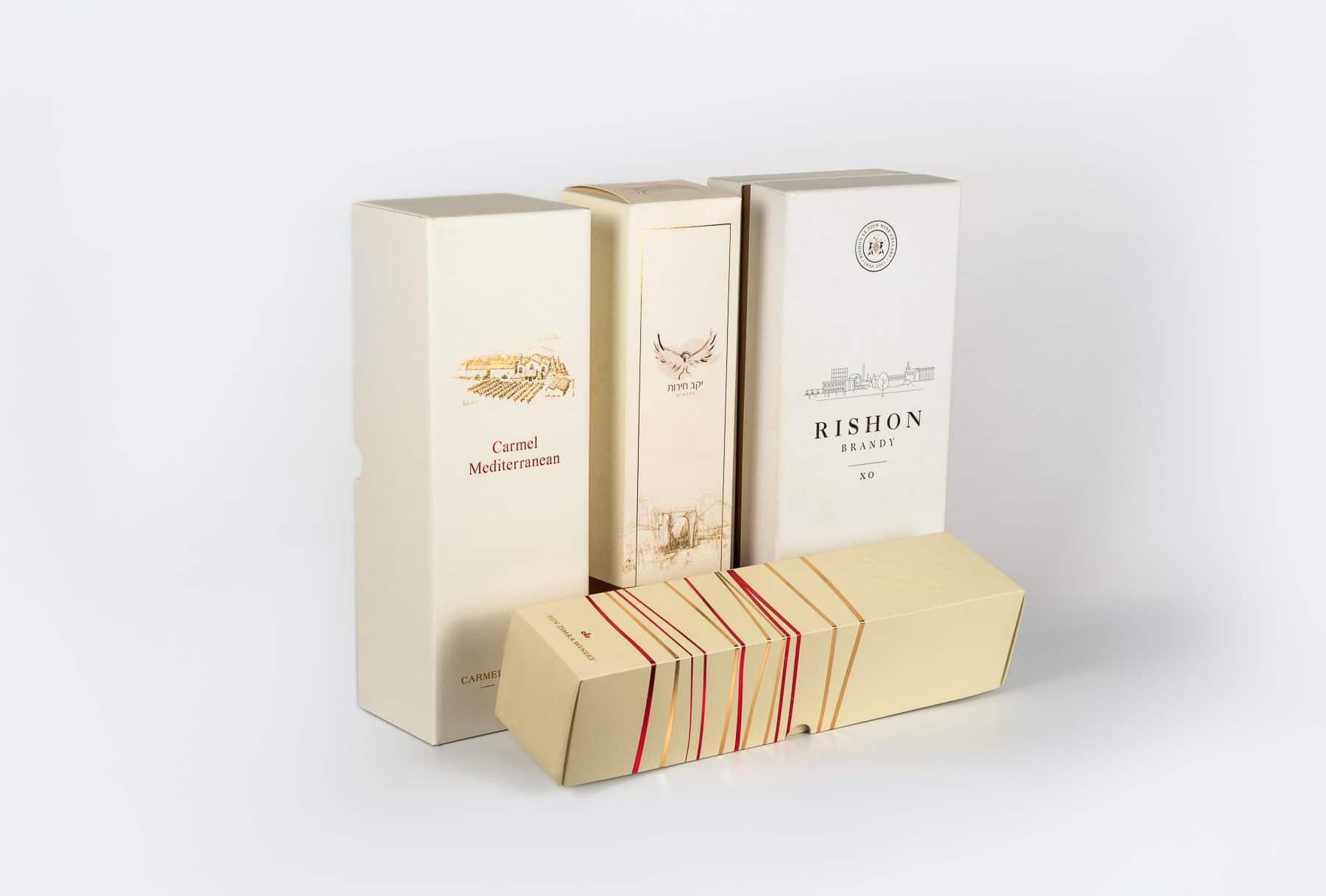 קופסאות שהודפסו בשיטת הדפסה דיגיטלית והדפסת אופסט