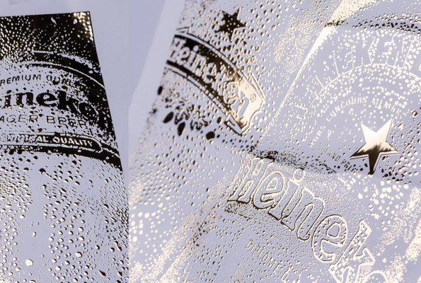 הטבעת פויל על מדבקות בקבוקי בירה של הייניקן